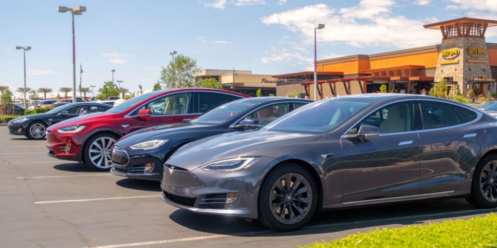 TESLA OWNERS TEAM UP FOR AN EPIC LAS VEGAS ROAD TRIP